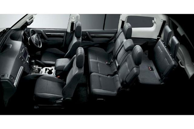 X-TRAIL-interior